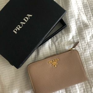 Prada Saffiano Medium Wallet (Beige)